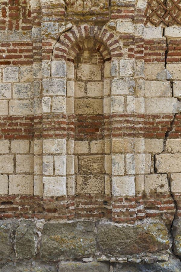 Parete antica della chiesa nella città di Nesebar bulgaria immagine stock libera da diritti