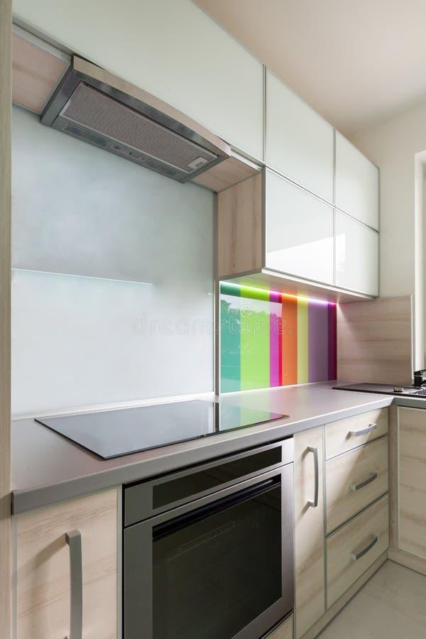 Parete decorativa in cucina moderna fotografia stock - Parete cucina moderna ...