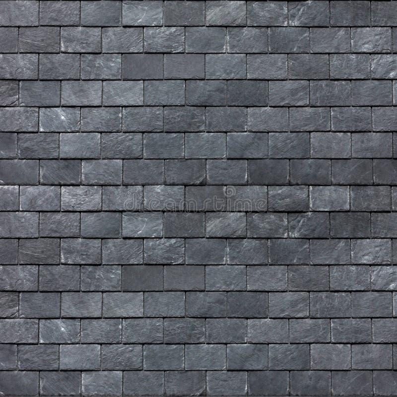 Parete del tetto dello scisto nero Slesiano Mattonelle di tetto dell'ardesia fotografia stock