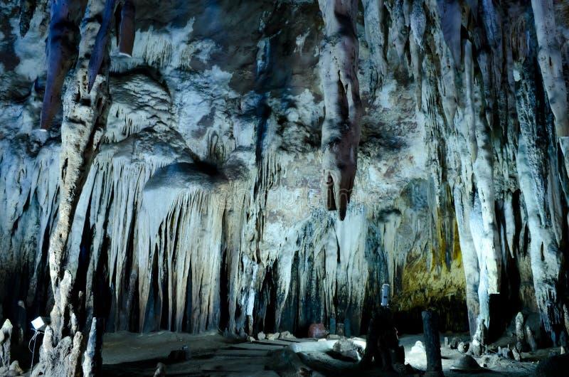 Parete dello Stalactite in caverne dello scomparto di Kao fotografia stock libera da diritti