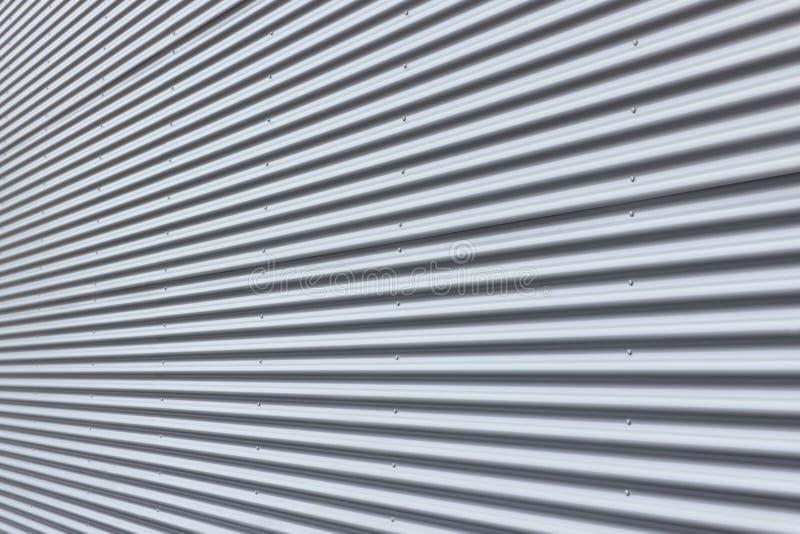 Parete di alluminio ondulata fotografia stock