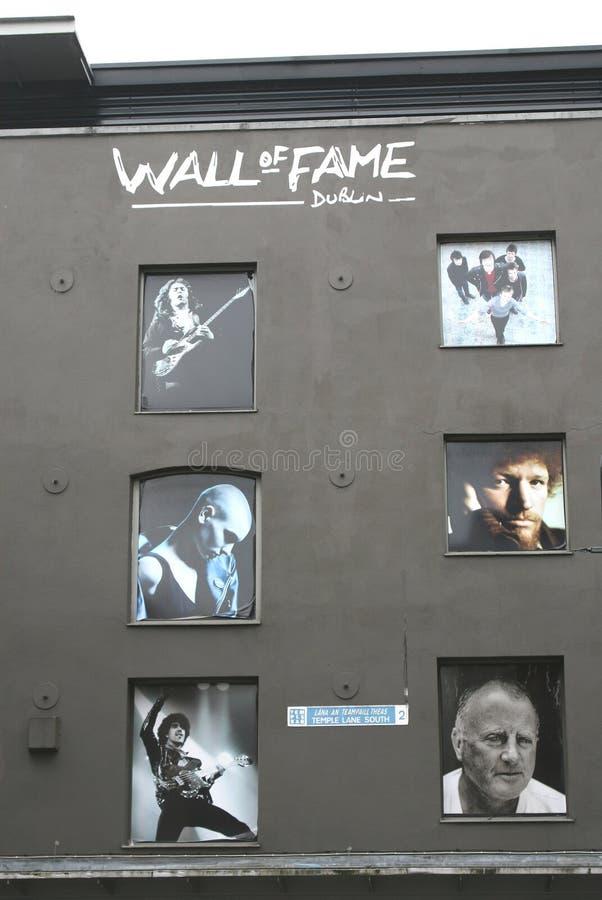 Parete di fama nel centro urbano di Dublino immagini stock libere da diritti