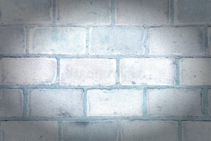 Parete di grandi blocchi Fondo in bianco con struttura della muratura Foto con una scenetta immagine stock
