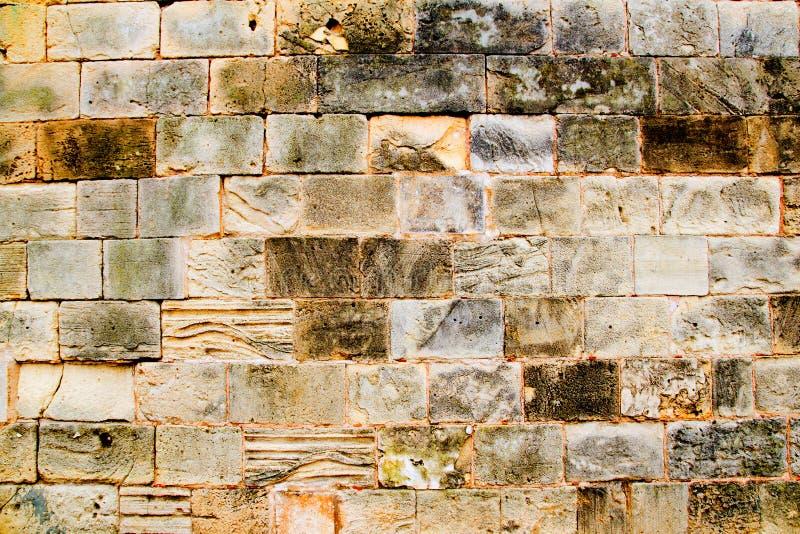 Parete di massoneria di pietra dell'arenaria delle cavalle in Majorca immagine stock libera da diritti