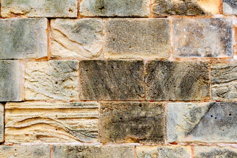 Parete di massoneria di pietra dell'arenaria delle cavalle in Majorca fotografia stock libera da diritti