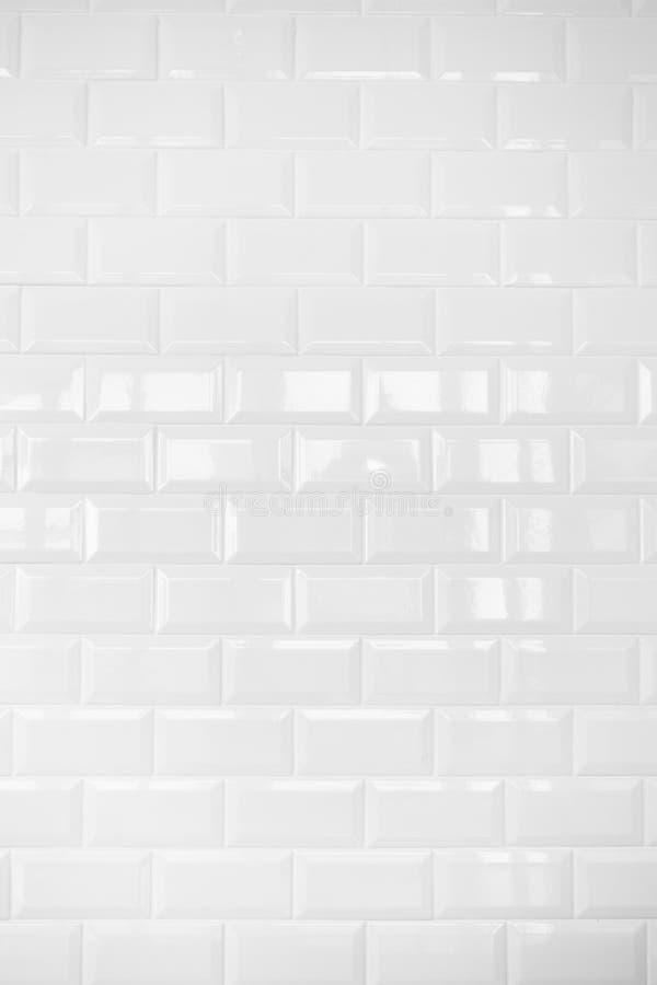 Parete di mattonelle di ceramica bianca delle mattonelle fondo immagine stock immagine di - Mattonelle da parete ...