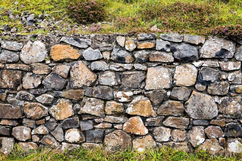 Parete di pietra alla strada soprelevata di Giants immagine stock