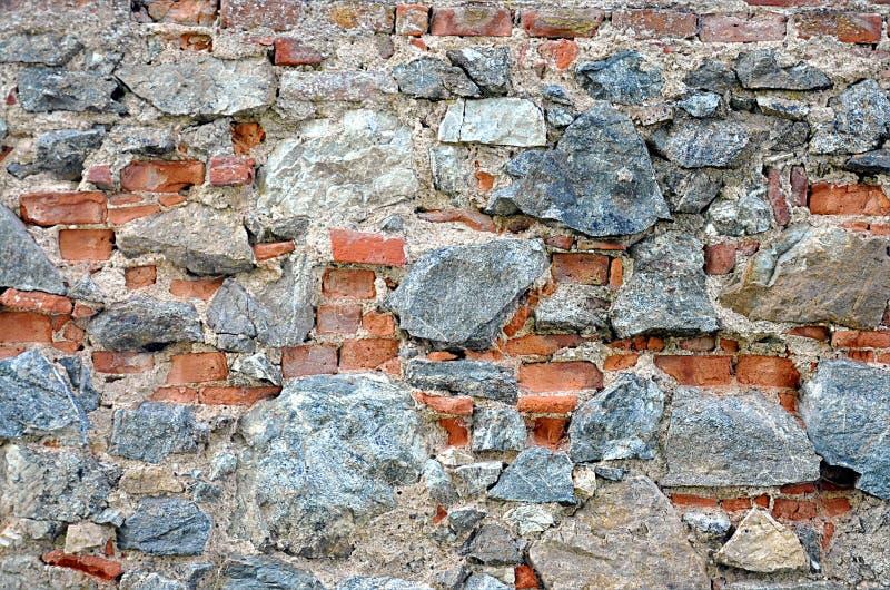 Parete di pietra e mattoni fotografia stock immagine di for Mattoni e pietra americani