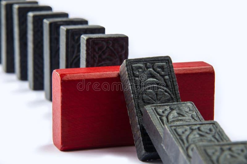 Parete di sicurezza che impedisce effetto di domino fotografie stock libere da diritti