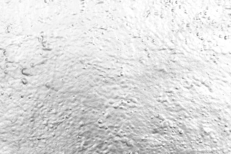 Parete dipinta con la pittura di spruzzo del cromo nel black&white fotografia stock