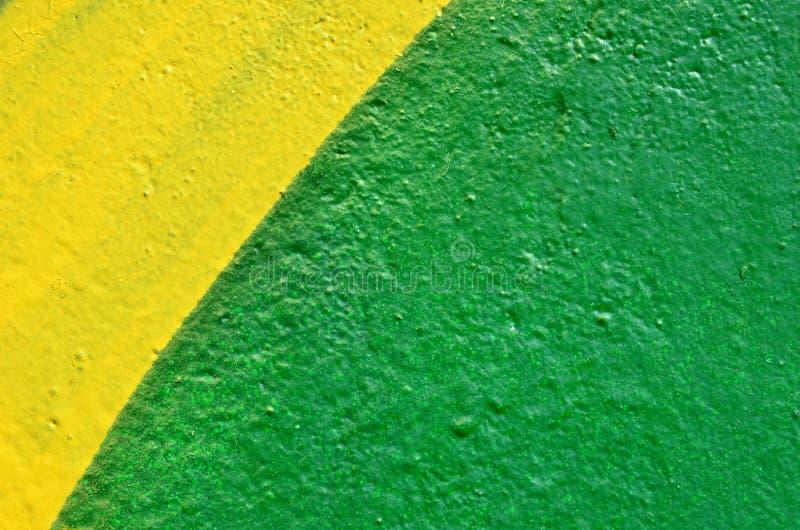 Parete dipinta gialla e verde fotografie stock libere da diritti