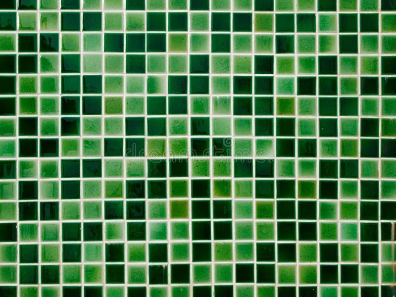 Parete verde delle mattonelle di ceramica fotografia stock