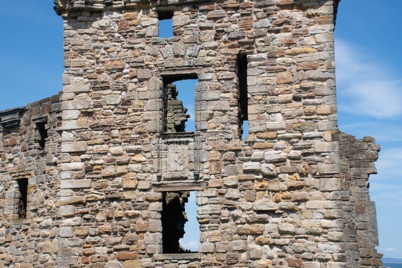 Pareti del castello dettagliatamente alla st Andrews Scotland fotografie stock