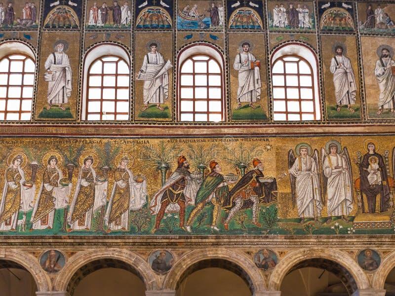 Pareti del mosaico con tre Re Magi di Catherdal immagine stock