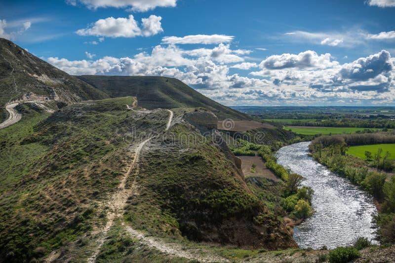 Pareti verticali accanto al fiume Escursione, brusca immagine stock libera da diritti