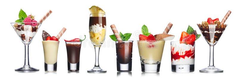 Parfait-gelaagde desserts stock afbeeldingen