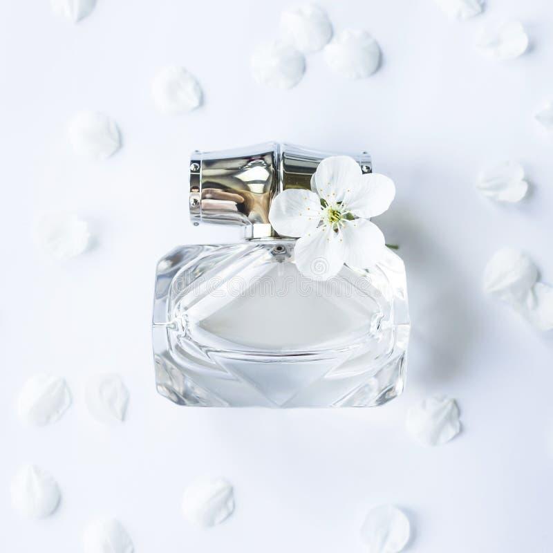 Parfum femelle doux léger photographie stock
