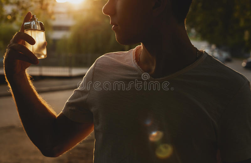 Parfum masculin et parfumerie Beauté de cosmétiques photo stock