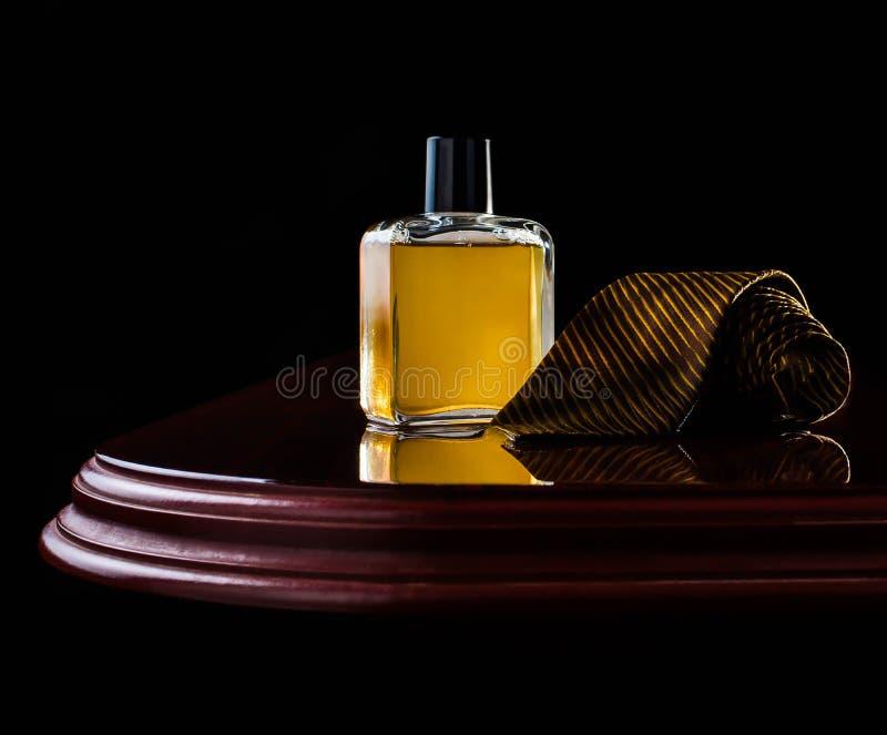 Parfum, vonk, schoonheidsmiddel, aroma, verse manier, dalingen royalty-vrije stock afbeeldingen
