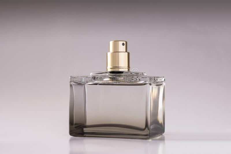 Parfume unisex su fondo bianco immagine stock