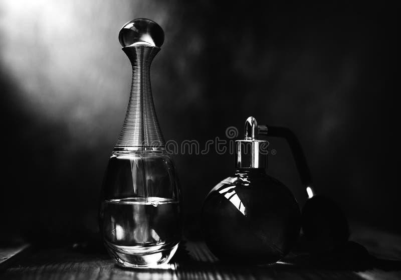 Parfums in zwart-wit royalty-vrije stock foto