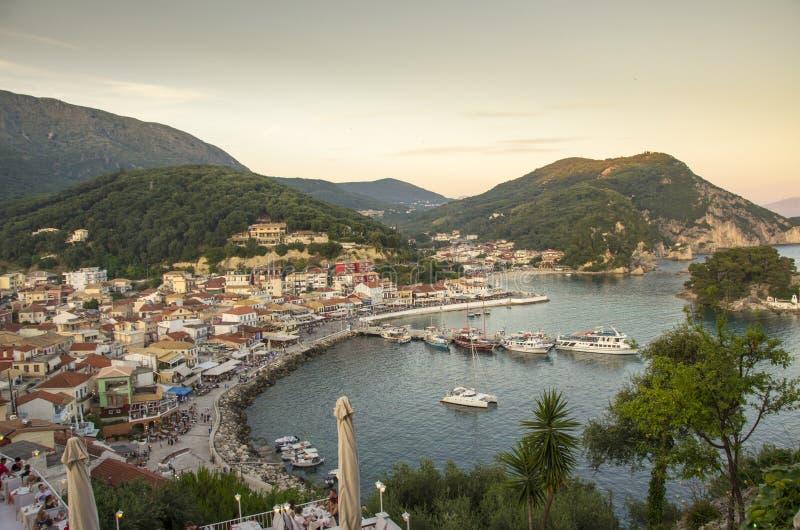 Parga em Grécia, Preveza, Epirus, Grécia - mar Ionian imagens de stock
