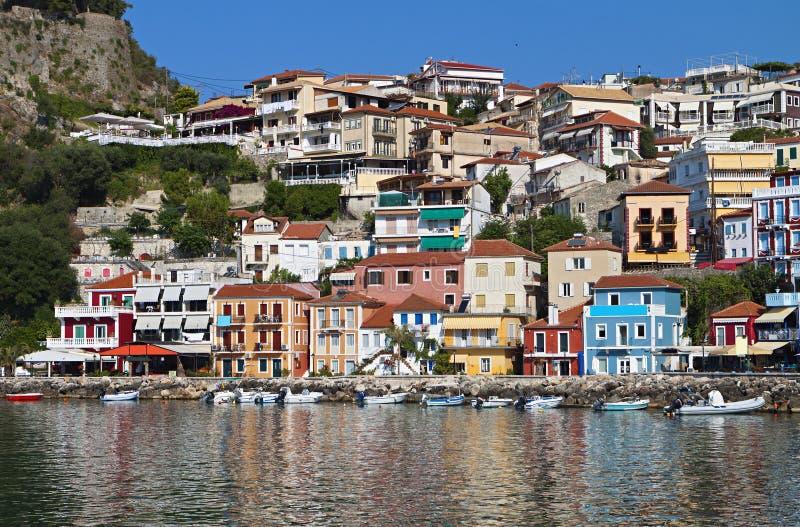 Parga stad i Grekland fotografering för bildbyråer