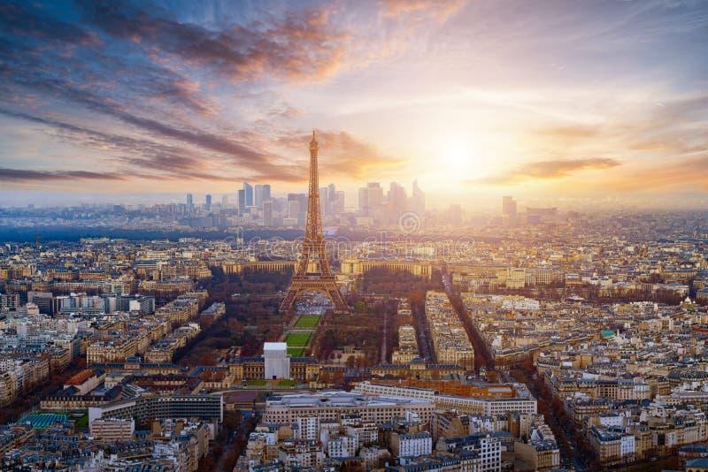 Parigi durante il tramonto fotografia stock libera da diritti