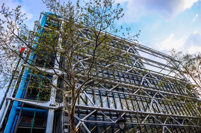 Parigi/Francia - 6 aprile 2019: Facciata del centro di Georges Pompidou in primavera immagini stock