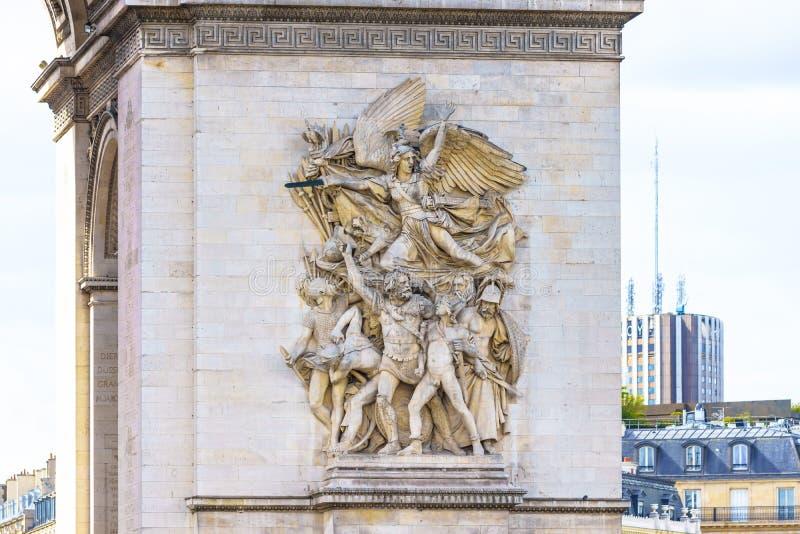 Parigi, Francia - 1° maggio 2017: Dettaglio di arte di bassorilievo sull'arco immagine stock libera da diritti