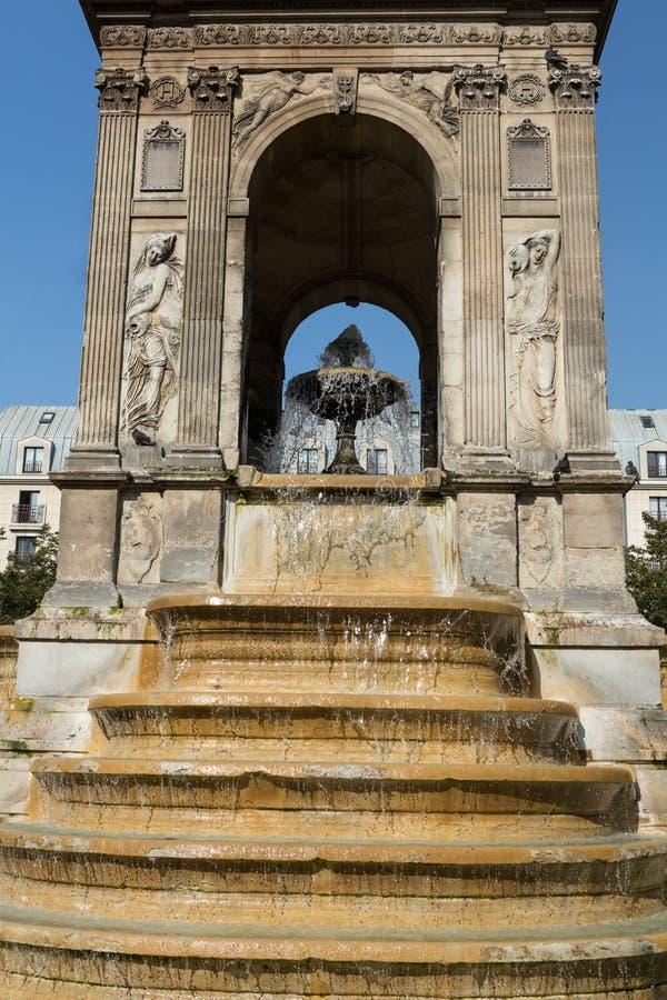Download Parigi - Gli Innocenti Del DES Di Fontaine Immagine Stock - Immagine di incisione, decorativo: 56881473