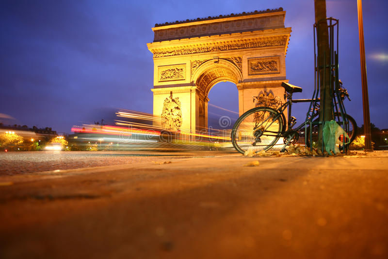 Parigi l'Arco di Trionfo fotografia stock