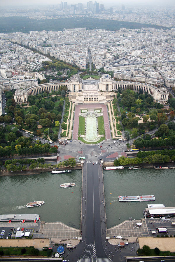 Parigi Trocadero e difesa dalla Torre Eiffel fotografie stock libere da diritti