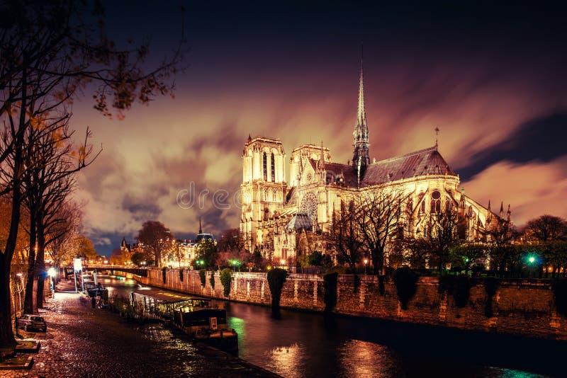 Parijs bij nacht royalty-vrije stock foto's