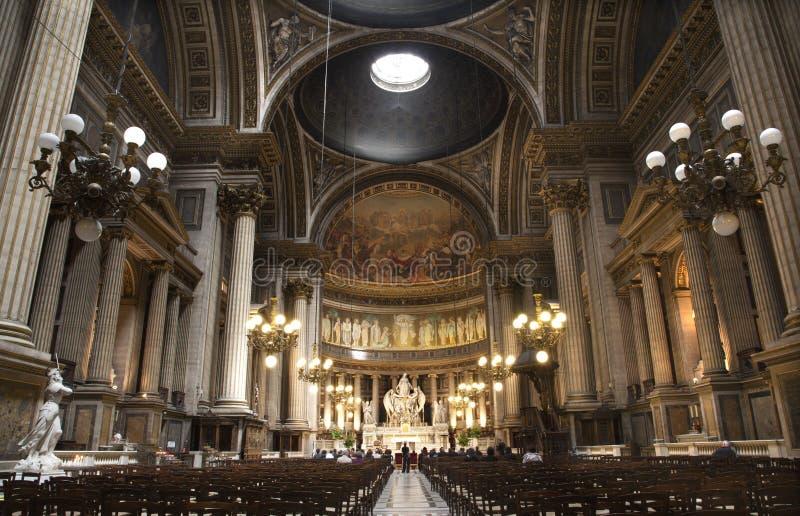 Parijs - binnenland van de kerk van Madeleine stock afbeeldingen