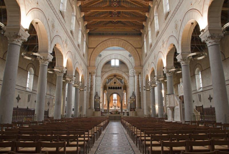 Parijs - binnenland van Heilige Francois Xavier stock fotografie