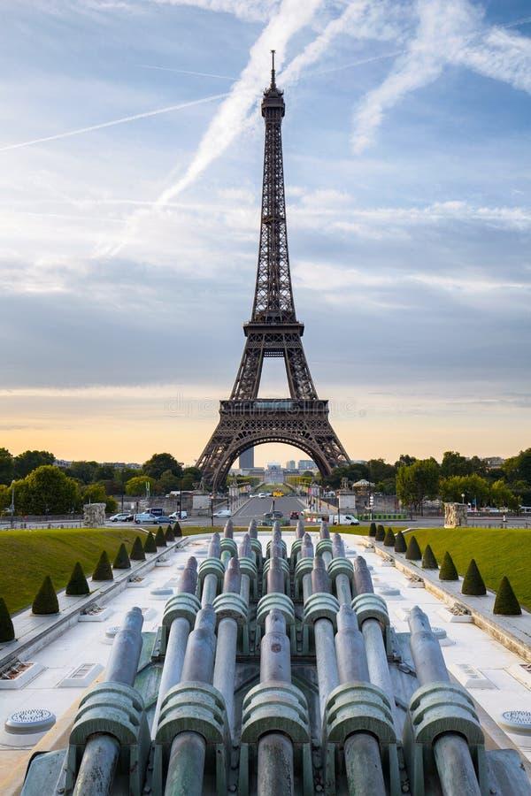 Parijs, de Toren van Eiffel, Trocadéro in ochtend stock afbeeldingen