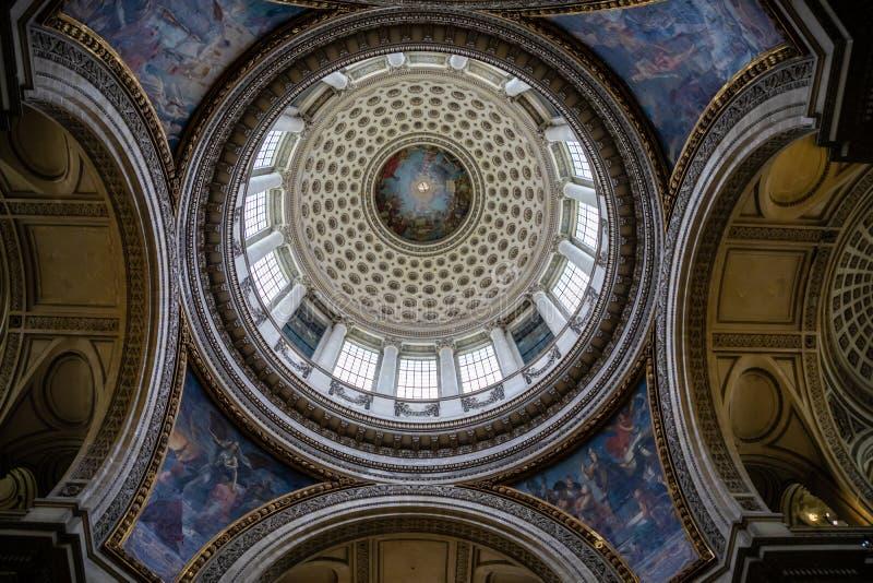 Parijs, Frankrijk - 24 04 2019: Binnenland van Pantheon, in het Latijnse Kwart in Parijs, Frankrijk royalty-vrije stock afbeeldingen