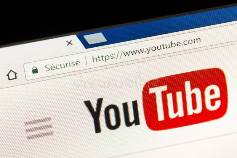 Parijs, Frankrijk - Juni 05, 2017: De homepage van de YouTubewebsite YouTube bent een video-deelt website, door drie vroeger Payp royalty-vrije stock foto's