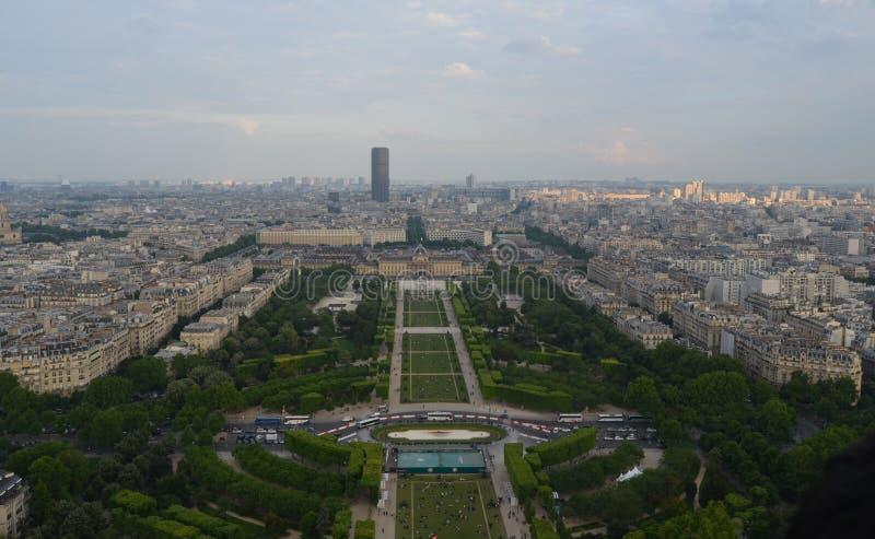 PARIJS, FRANKRIJK - MAART 29, 2014: MENING VAN TORRE EIFFEL stock foto