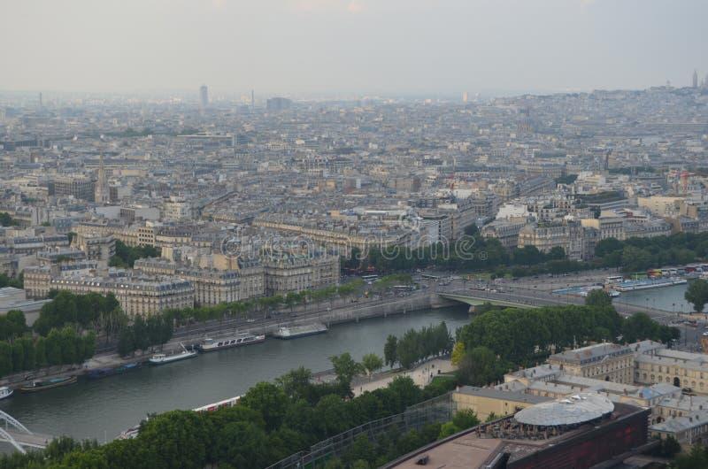 PARIJS, FRANKRIJK - MAART 29, 2014: MENING VAN TORRE EIFFEL royalty-vrije stock afbeeldingen