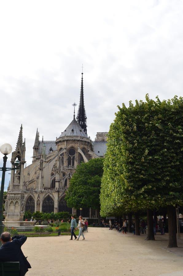 PARIJS, FRANKRIJK - MAART 29, 2014: NOTRE DAME-KATHEDRAAL royalty-vrije stock afbeelding