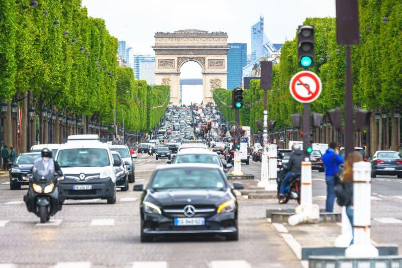 Parijs, Frankrijk - Mei 3, 2017: Verkeervoorwaarden van champs-E royalty-vrije stock afbeeldingen