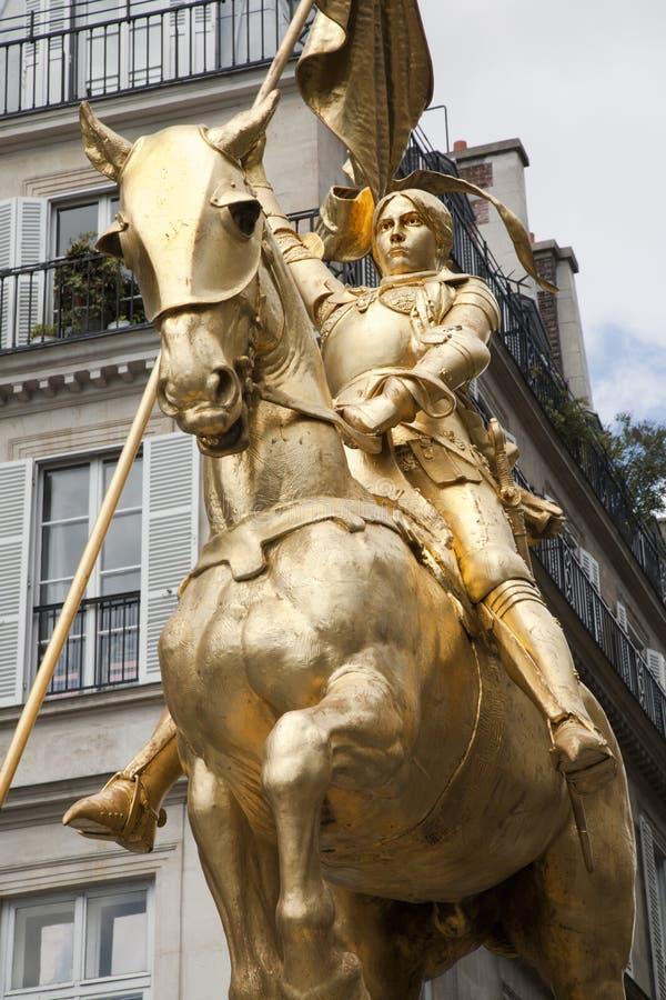 Parijs - Joan van het standbeeld van de Boog royalty-vrije stock foto's
