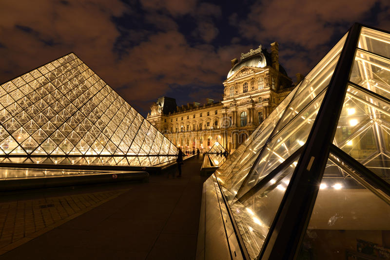 Parijs, Louvre stock foto