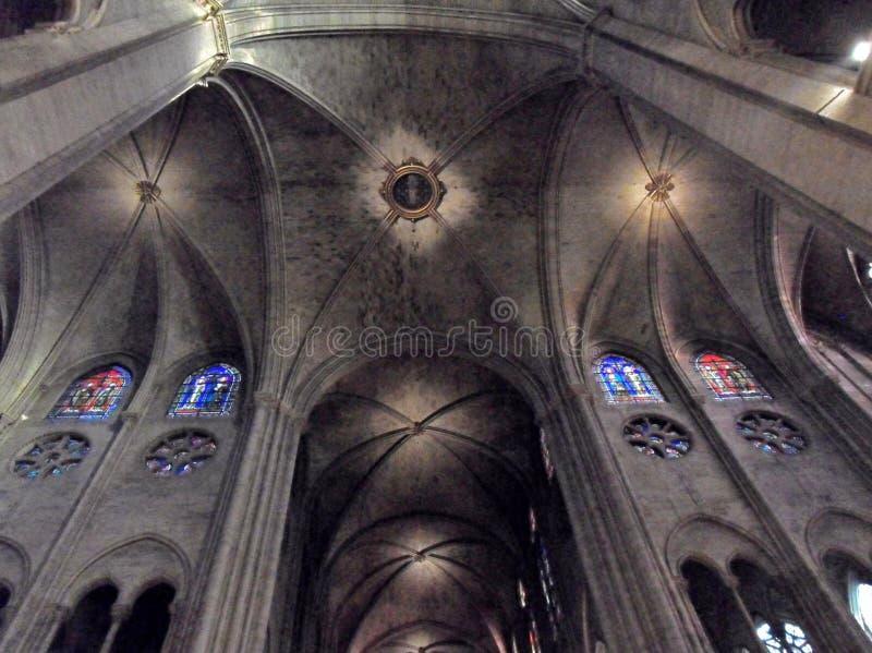 Parijs - Plafond van het dwarsschip van de Kathedraal van Notre Dame stock fotografie