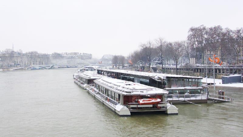 Parijs, Trocadero-plaats onder sneeuw stock foto's