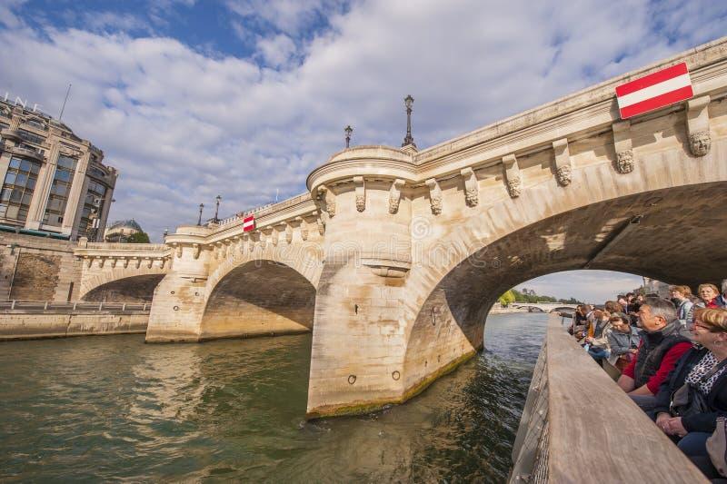 Parijs van een cruiseboot royalty-vrije stock afbeelding