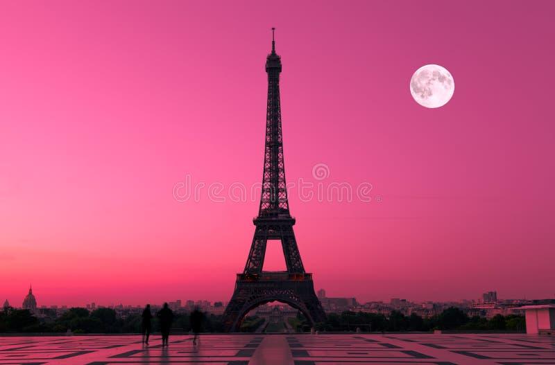 Paris à l'aube images stock