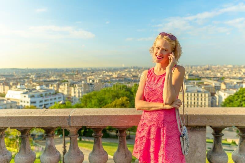 Paris affärskvinna royaltyfri foto